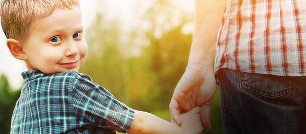 О смене фамилии ребенку: как поменять отчество, во сколько лет можно, образец иска