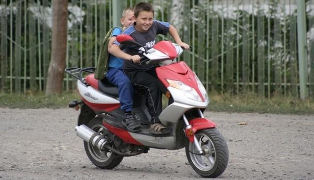 Штраф за езду на скутере без прав: размер и сумма наказания, как оплачивать