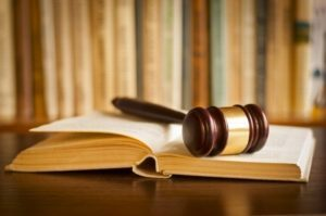 О взыскании долгов по расписке: как забрать деньги с должника через суд, сроки