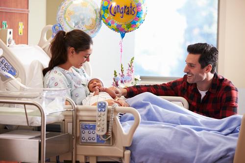 Как прописывают новорожденного ребенка: что для этого нужно, какие документы