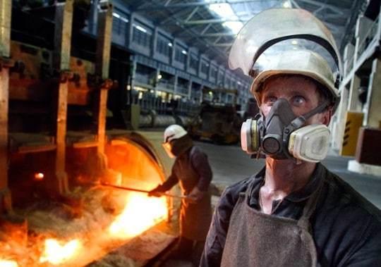 О компенсациях за вредные условия труда: что относится, льготы и выплаты, оплата