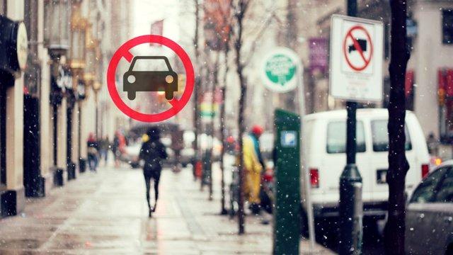 Езда по тротуару, штраф в 2020: размер и сумма наказания, как оплачивать