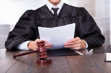 Об ограничении родительских прав: основания, порядок, правовые последствия