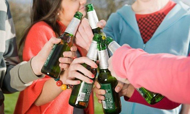 О штрафе за распитие спиртных напитков в общественном месте: статья и сумма наказания