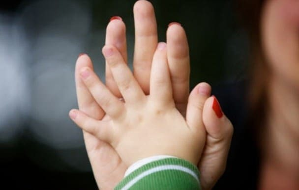 О получении статуса матери-одиночки: как оформить, что дает, справка по форме 25