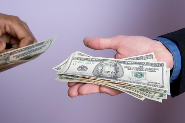 О штрафе за просроченный договор купли-продажи: размер и сумма наказания, оплата