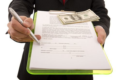 О расписке в получении задатка за квартиру: образец документа о залоге, бланк