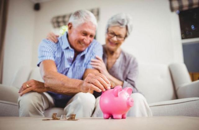 О страховой пенсии: что это такое, в чем разница, как получить, документы