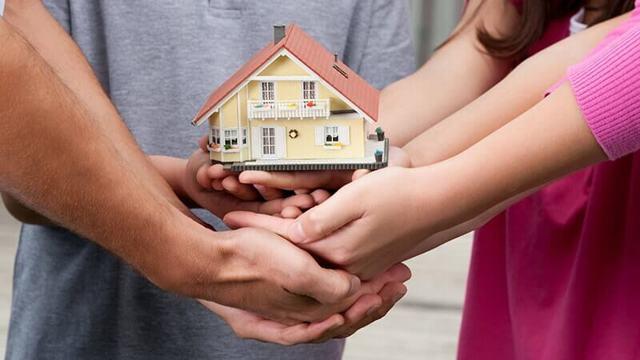 Если никто не вступает в наследство: кому переходит собственность