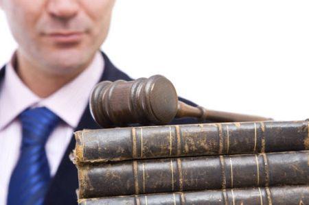 Какие суды рассматривают уголовные и гражданские дела, трудовые споры и иски