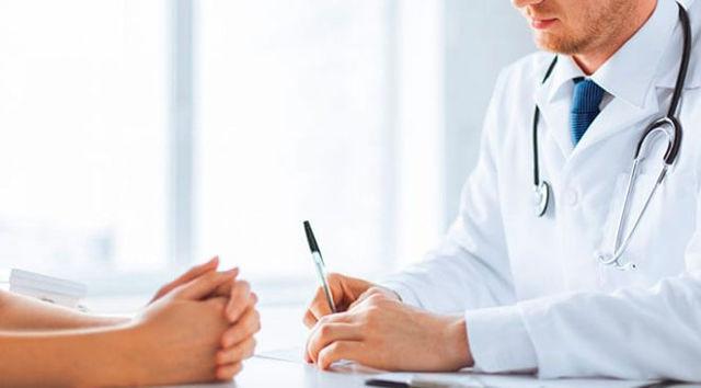 Можно ли без регистрации прикрепиться к поликлинике: действует ли полис
