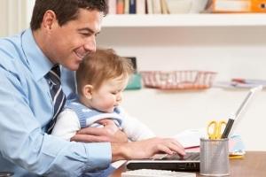 Как оформить декретный отпуск на мужа: может ли отец получить выплаты
