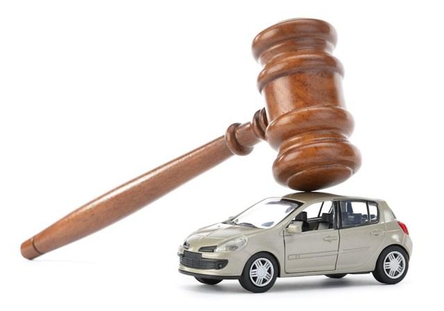 О запрете на регистрационные действия автомобиля судебным приставом: что делать