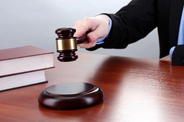 Как подают заявления на развод в суд без мужа: могут ли в одностороннем порядке