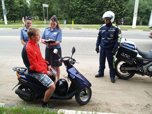 Езда без шлема на мотоцикле: штраф, размер и сумма наказания, как оплачивать