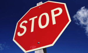 Штраф за не остановку перед знаком стоп в 2020: статья и сумма наказания, оплата