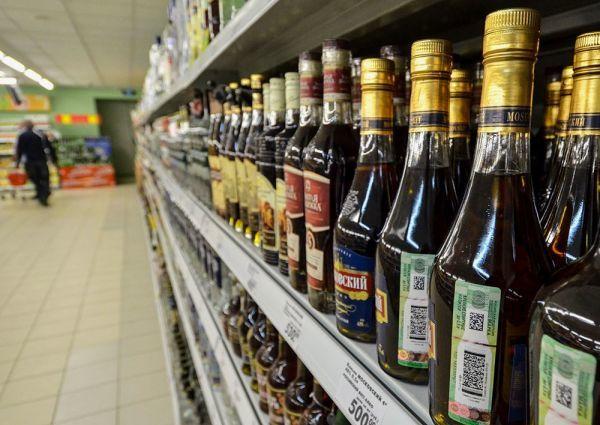 Штраф за продажу алкоголя после 22 часов, в запрещенные дни: статья и оплата