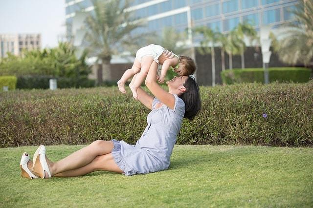 Об исковом заявлении на содержание матери ребенка до 3 лет: образец, алименты